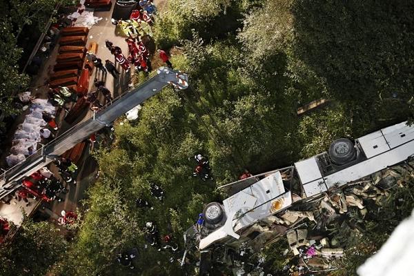 La tragedia di Monteforte: i parenti delle 40 vittime accusano Autostrade, manutenzione insufficiente