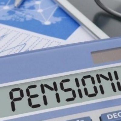 Pensioni, quota 100 per tre anni. Poi via dal lavoro con 41 anni di contributi