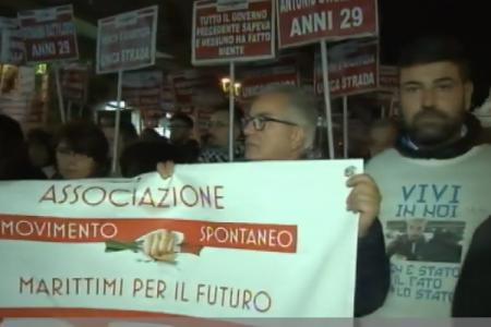 Torre del Greco ricorda le quattro vittime del Ponte di Genova: vogliamo giustizia