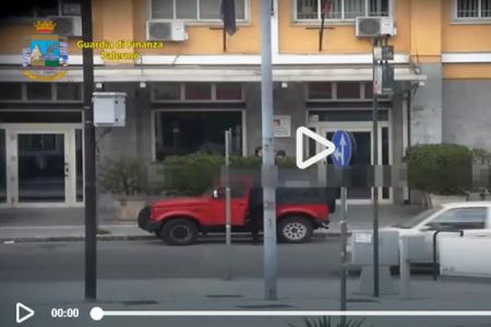 La moglie gelosa fa scoprire i furbetti del cartellino: raffica di arresti a Palermo. Ecco il video dello scandalo