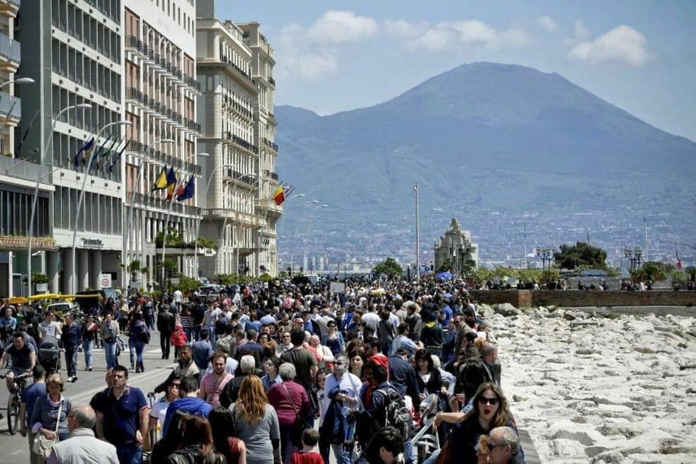 Napoli che passione: boom di turisti per Natale. B&B e case vacanze fanno il pienone