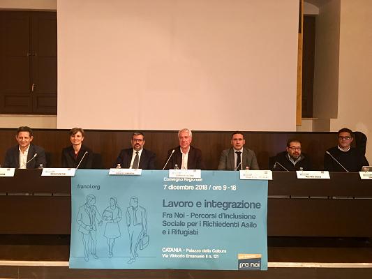 """Lavoro e Integrazione, progetto """"Fra Noi -Percorsi d'Inclusione Sociale per i Richiedenti Asilo e i Rifugiati"""