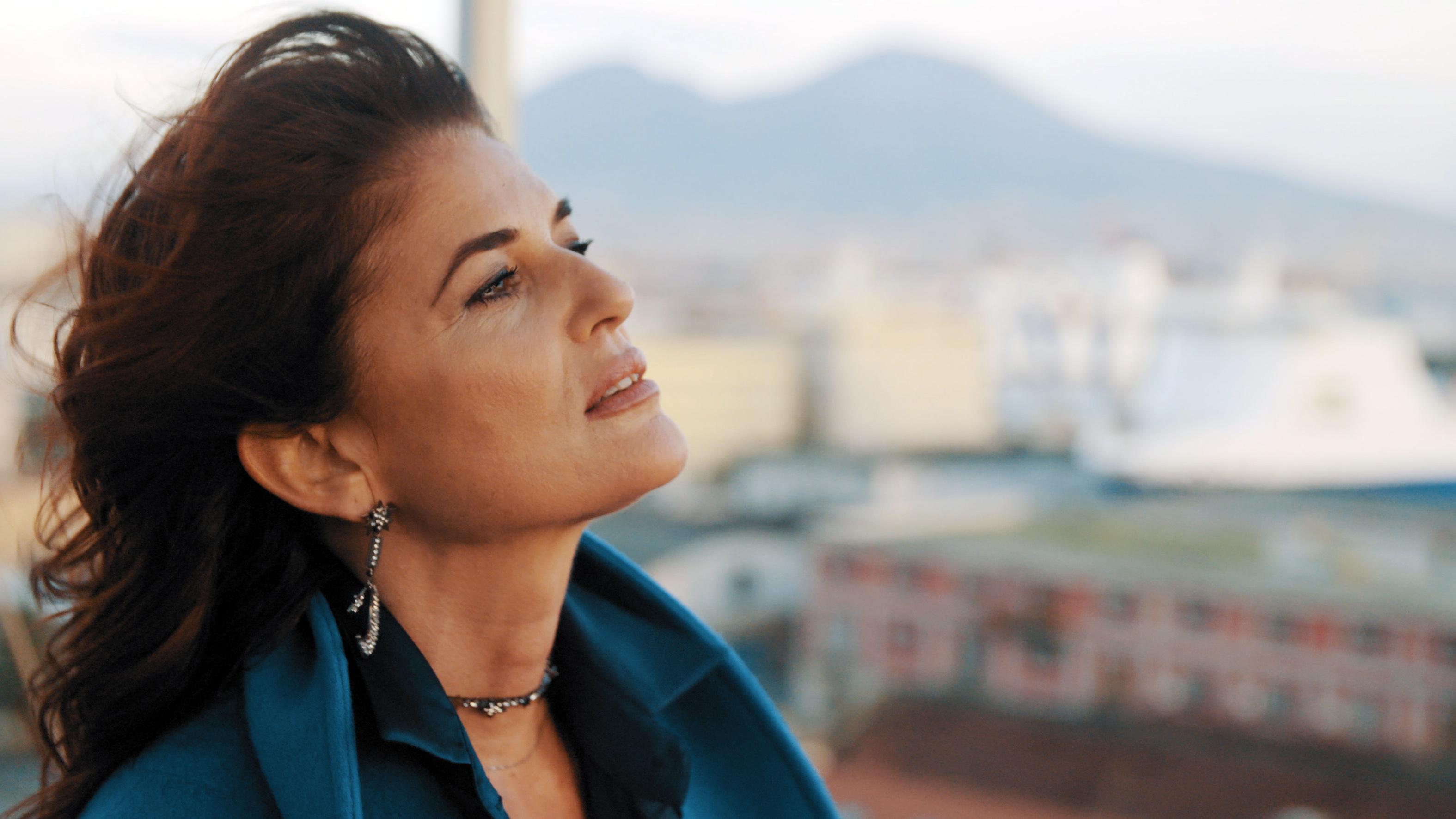 Il nuovo singolo di Monica Sarnelli: Tu sì meglio 'e me