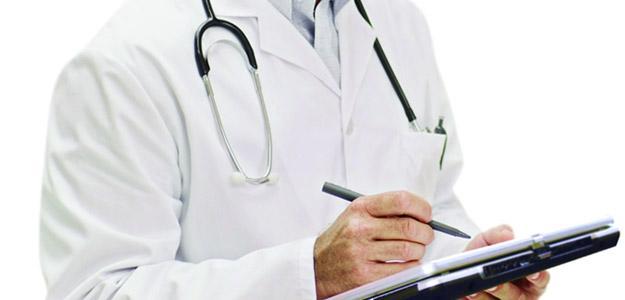 Dopo dieci anni il nuovo contratto: per i medici aumento di 200 euro