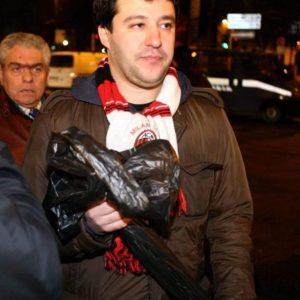 Napoletani a Milano, quando Salvini accolse i tifosi partenopei con i sacchetti della spazzatura