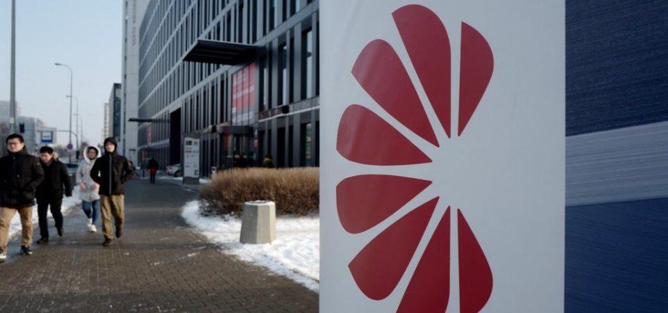 """Spy-story: dipendente Huawei accusato di spionaggio dal governo polacco. Ma la multinazionale cinese lo licenzia: """"Non sapevamo nulla…"""""""