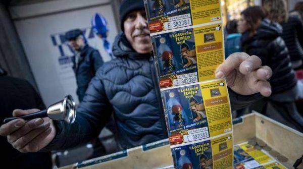 Lotteria Italia, questa volta la fortuna va in Campania. Ecco l'elenco dei biglietti vincenti