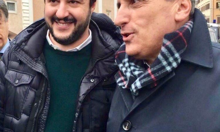 Vincenzo Pepe insegna Politica Ambientale alla Scuola di formazione politica della Lega: al tavolo Matteo Salvini, Armando Siri e Giancarlo Giorgetti