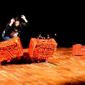 Paradise. Il 2 febbraio a Molfetta lo spettacolo  che racconta l'inferno degli schiavi e delle  donne braccianti in terra di Puglia
