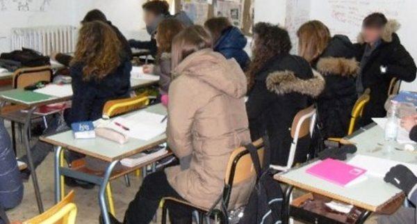 Scuole al freddo in mezza Italia, riscaldamenti spenti
