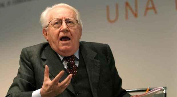 """Addio a Zamberletti, il commissario del terremoto dell'80 che """"inventò"""" la Protezione civile"""