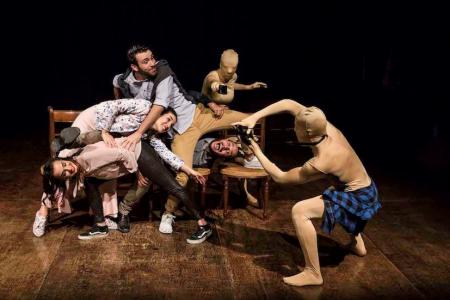 """""""Caro fratello"""", attori-ballerini in scena al Teatro Nuovo di Salerno"""
