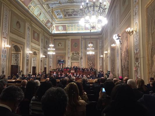L'assemblea siciliana costa più della Casa Bianca: il dossier-choc dei grillini. L'ira di Miccichè: ora li querelo