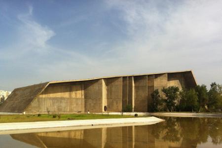 """""""Disegnare un mondo migliore"""", Napoli ricorda Niemeyer"""