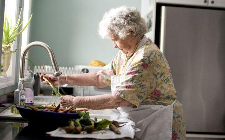 Cucina, tornano i piatti della nonna