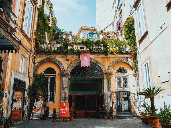 Napoli esoterica, note la buio a Palazzo Venezia
