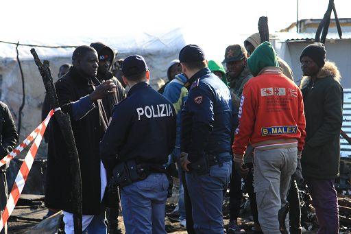 San Ferdinando, rogo nella tendopoli della vergogna: muore un altro migrante