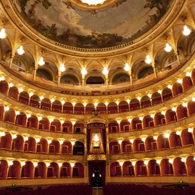 Il Teatro San Carlo va in Biblioteca con la musica napoletana