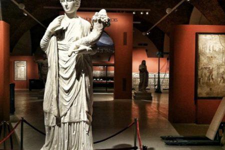 """Pompei incanta San Pietroburgo, la grande mostra """"dei, uomini e eroi"""""""