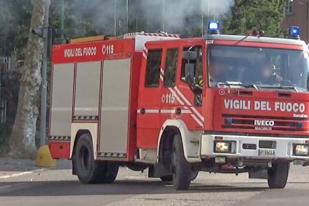 Salerno, esplode autocisterna: morto un operaio