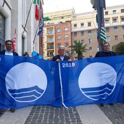 """Roccella Jonica mantiene anche quest'anno la doppia """"Bandiera Blu"""" della Fee"""