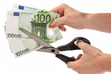 Effetto crisi. In otto anni le famiglie campane hanno stretto la cinghia per 43 milioni di euro