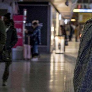 (S)Profondo Nord. Muore a Torino nella sala d'attesa di un ospedale e nessuno se ne accorge