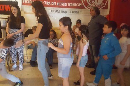 Palermo: festa di fine anno del doposcuola del centro sociale Anomalia