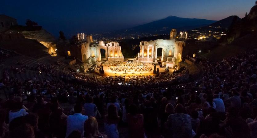 Al teatro antico di Taormina la serata di gala di Taobuk