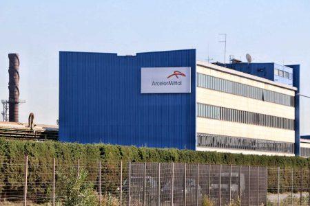 Ex Ilva, l'azienda minaccia la serrata: senza immunità il 6 settembre chiudiamo la fabbrica