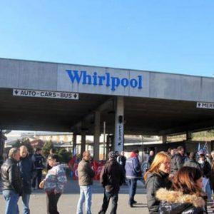 Whirlpool, sgravi contributivi per salvare lo stabilimento di Napoli