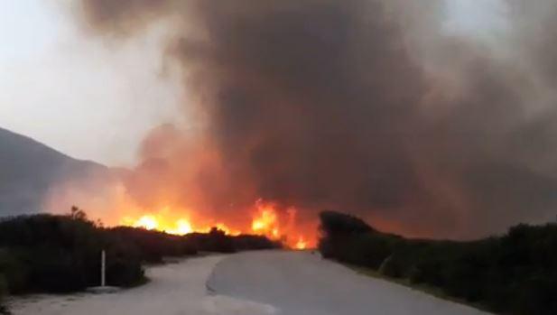 San Vito Lo Capo, fuoco e terrore nel camping: turisti in fuga