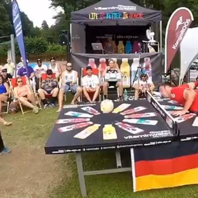 Il video del giorno. Un match dove sono ammessi solo i colpi di testa. Incredibile