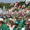 Le follie della Lega. A Pontida, dopo i napoletani, insultano i migranti…