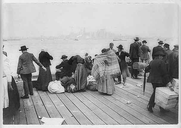 """L'altra storia dell'Italia. Quando i meridionali-migranti erano """"negri di colore bianco"""""""