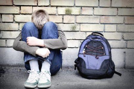 Giovani e violenza, se il pensiero superficiale annulla la pedagogia dell'amore che ci rende vere donne e veri uomini