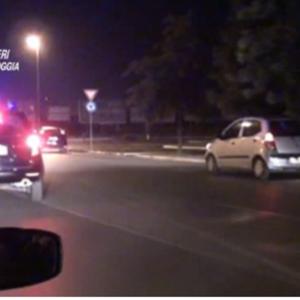 Blitz nella notte a Foggia: decine di perquisizioni e controlli a tappeto