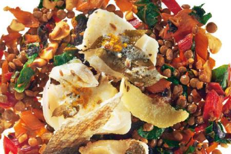 LA RICETTA DEL GIORNO. Merluzzo con spezie, yogurt e insalata di lenticchie