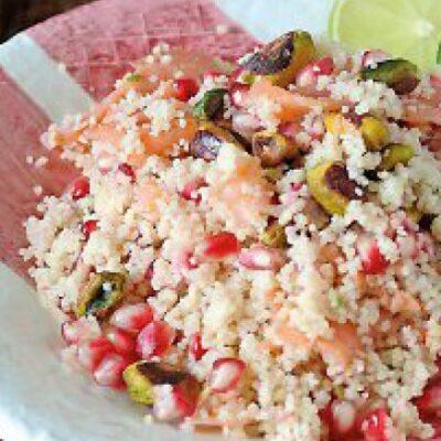 La ricetta della settimana: cous cous al salmone con melograna