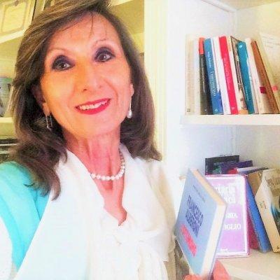 """Poesia che consola e dà speranza, nel libro """"Sognare l'impossibile"""" di Antonia Doronzo Manno"""