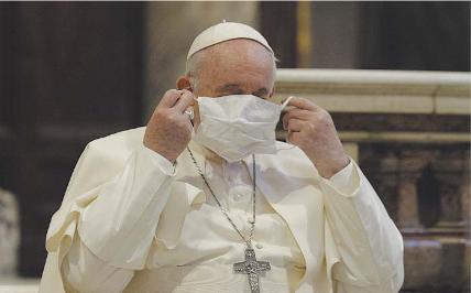 Il Papa licenzia chi non fa il vaccino