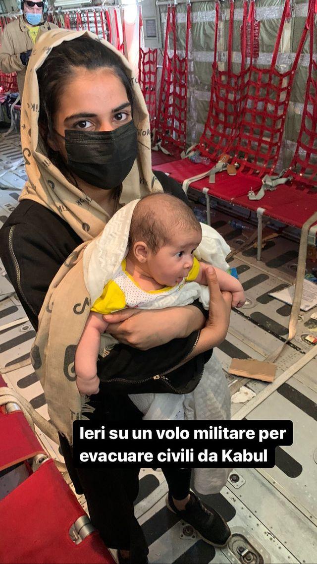 Afghanistan, dentro l'aereo dei profughi